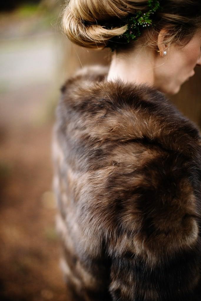 bride's fur coat downtown seattle elopement