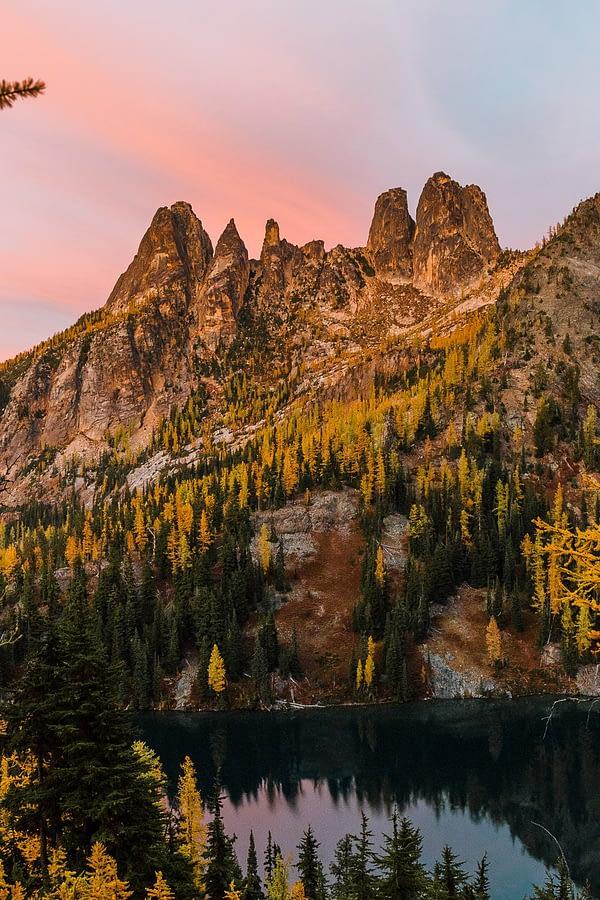 sunset reflecting mountain peak sunset washington state north cascades
