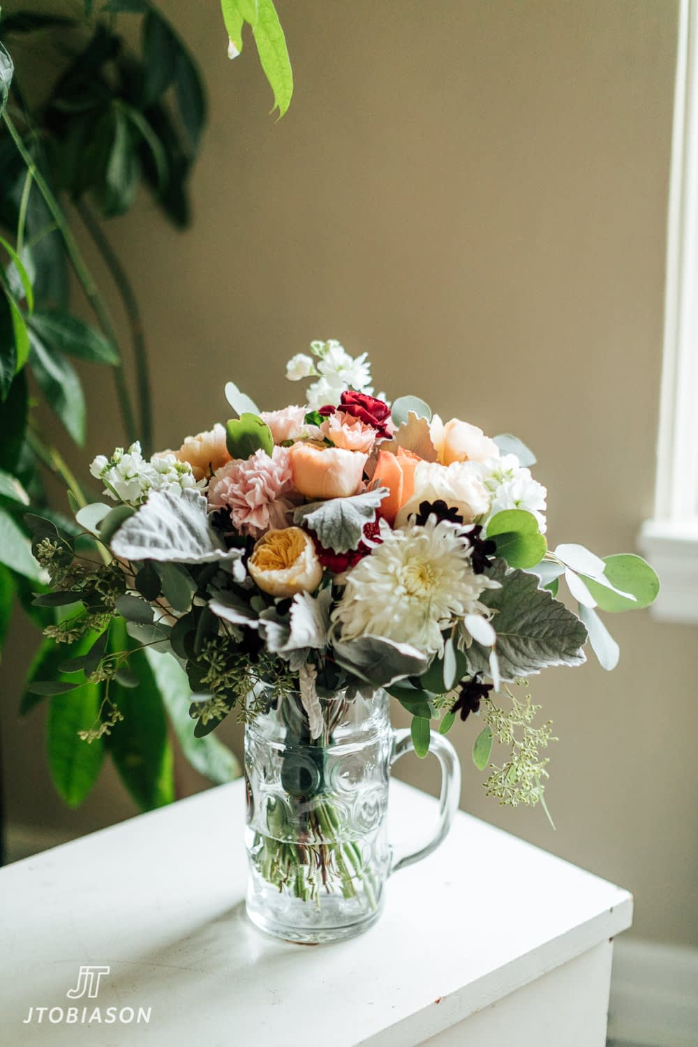 bouquet great hall at green lake wedding photo