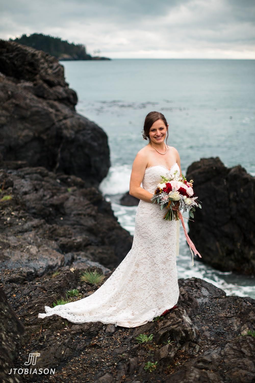 bride deception pass state park wedding